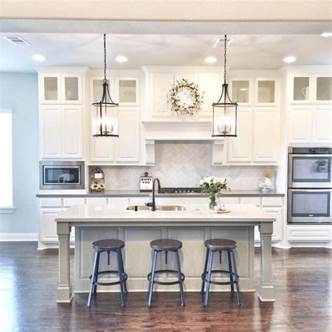 White Kitchen Lighting 25 Best Ideas About Kitchen Island Lighting On Pinterest Island Lighting Transitional