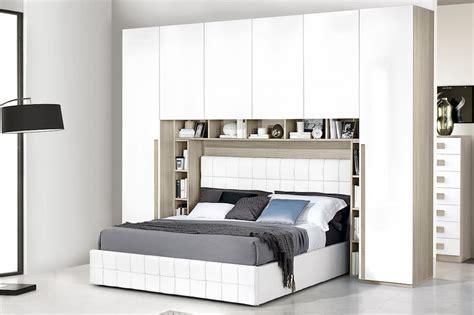 camere da letto con armadio a ponte armadio a ponte camere da letto spaziose e organizzate