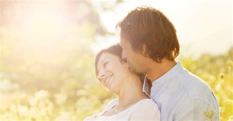 Cara Aman Berhubungan Intim Saat Hamil Trimester 3 Aman Bermesraan Saat Istri Hamil