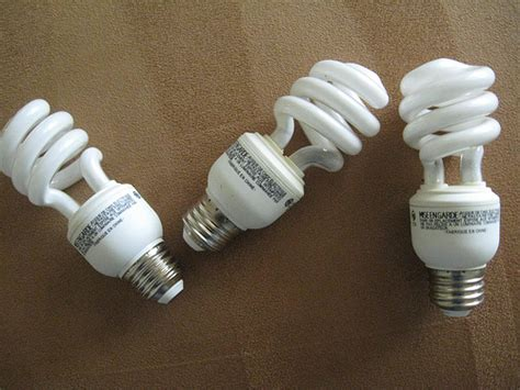 can you recycle fluorescent light bulbs things you didn t know you could recycle