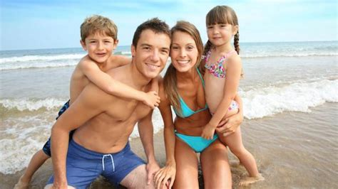 naturist cs for kids ehow children nudists family naturists kids fun field trips to