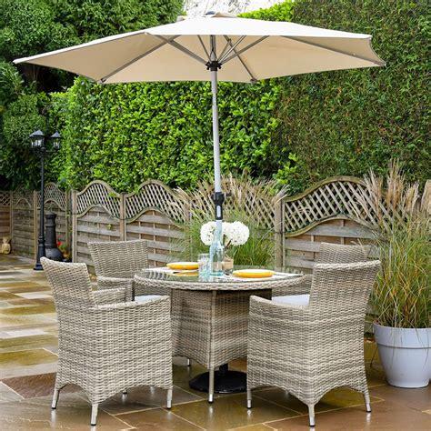 hartman westbury  seat garden dining set parasol