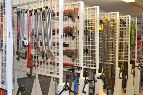 Tool Rooms: Efficient Storage ? Efficient Technicians