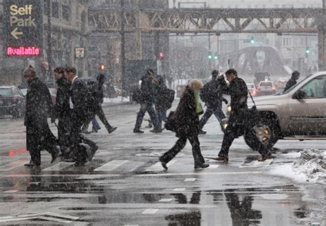 Breaking News Img Fashion Week Live Dumps Chicago Second City Style Fashion by Snowstorm Rolls Through Midwest Cp24