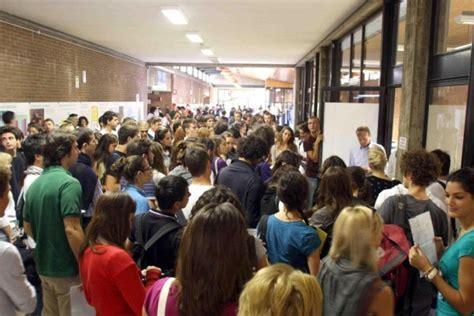 test d ingresso scienze biologiche test d ingresso un calo 10 dei candidati unife