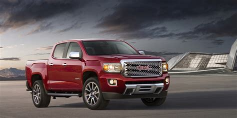 at gmc 2017 gmc denali pictures photo gallery gm authority