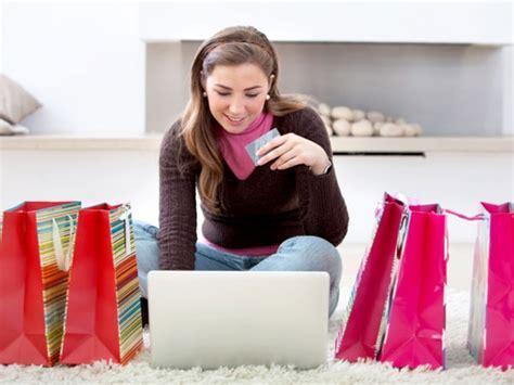 Online shopping for women's footwear styles