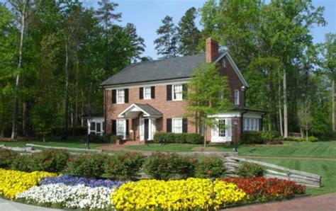billy graham s childhood home you can tour his home