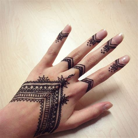 henna tattoo on hand tumblr henna henna ideas hennas