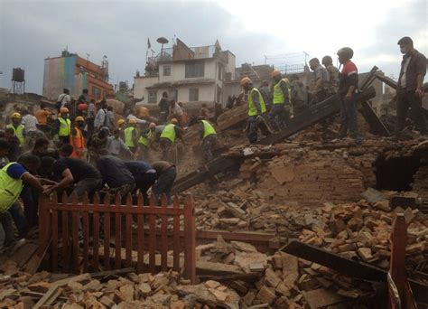 earthquake of nepal pictures nepal s 7 8 magnitude quake reaps death destruction