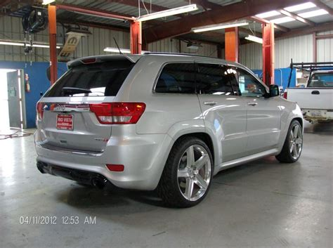 slammed jeep srt8 so sick lowered jeep srt8 petrol