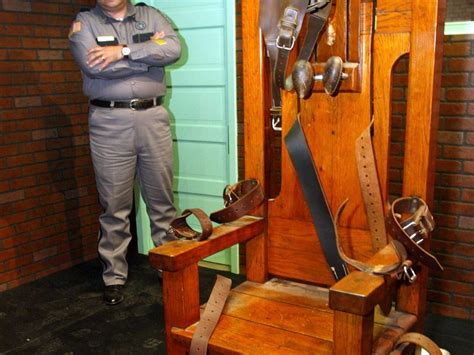 Edison Electric Chair by Edison Financed The Electric Chair Business Insider