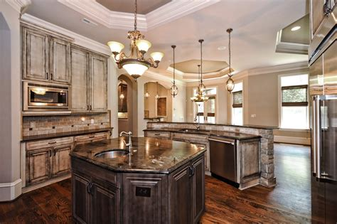 matching kitchen cabinets should kitchen cabinets match the hardwood floors best