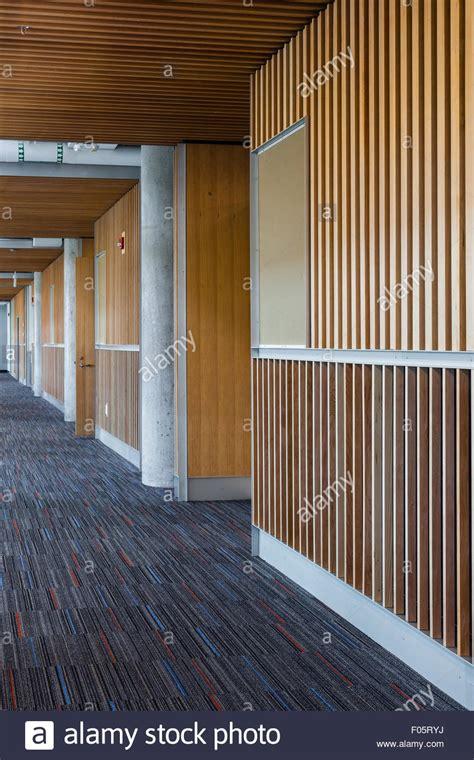 come rivestire una parete in legno rivestire una parete in legno coprire piastrelle