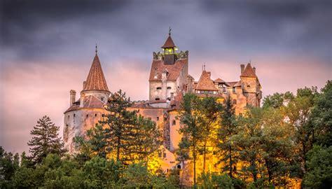 bran castle castles photo 510805 fanpop a taste of transylvania bran castle peleș palace