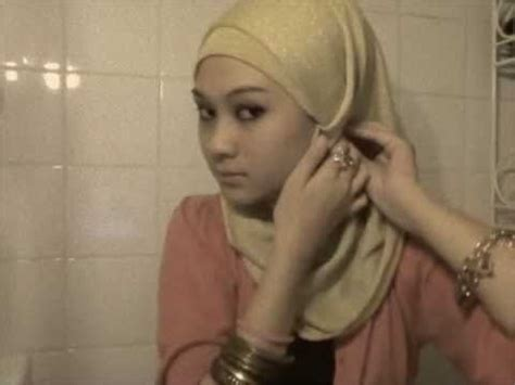 hijab tutorial volume without the camel hump 17 best images about hijab scarf how to on pinterest