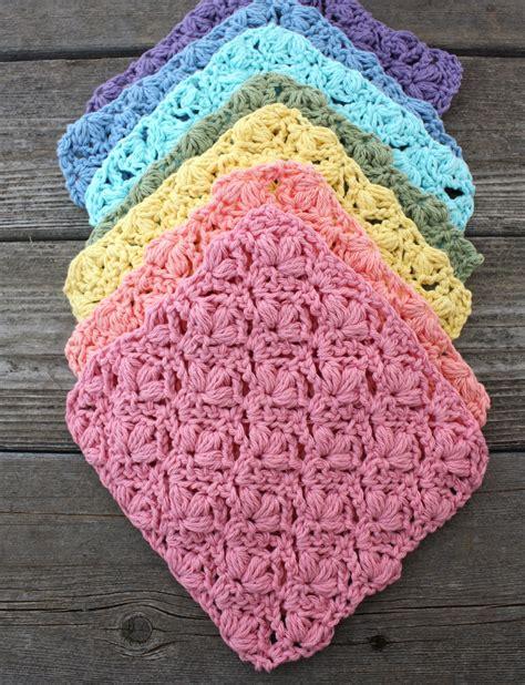 lily flowers dishcloth crochet pattern yarnspirations
