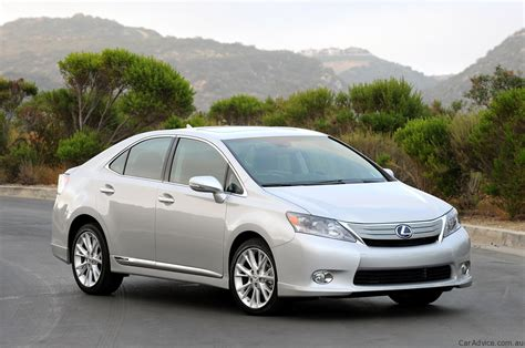 toyota lexus 2010 toyota to recall 17 000 lexus hs 250h models photos 1 of 3