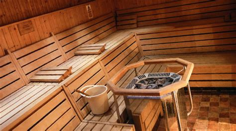 difference between sauna and steam room steam room vs sauna what s the difference