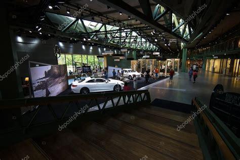 mercedes haus berlin showroom de mercedes en el centro comercial nuevo