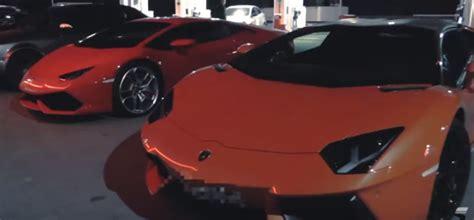 Race Lamborghini Vs Race Lamborghini Aventador Roadster Vs