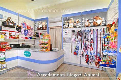 arredamento per cani arredamenti per negozi prodotti animali effe arredamenti