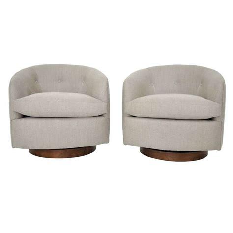 milo baughman lounge chairs milo baughman swivel lounge chairs at 1stdibs