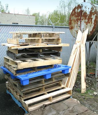 woodworking collection wood pallets and woodcarving projects for your home and garden woodworking projects woodworking plans books what can you make with a wood pallet the crafty