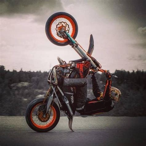 Ktm Wheelie Bar Supermoto Wheelie This Looks Like It Could End Painfully