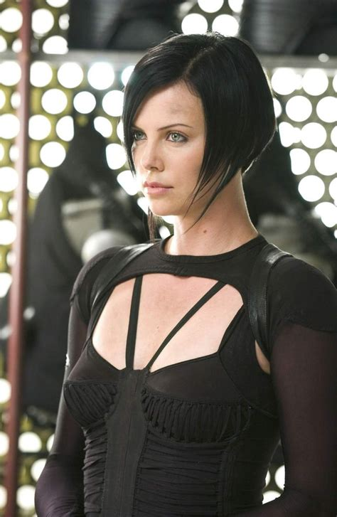 aeon flux black woman s hairstyle charlize theron in aeon flux hair styles pinterest