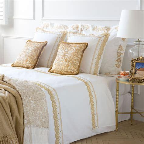almohadas zara set funda n 243 rdica y funda de almohada bordado dorado