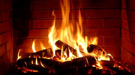 Fireplace   Full HD   10 hours crackling logs for