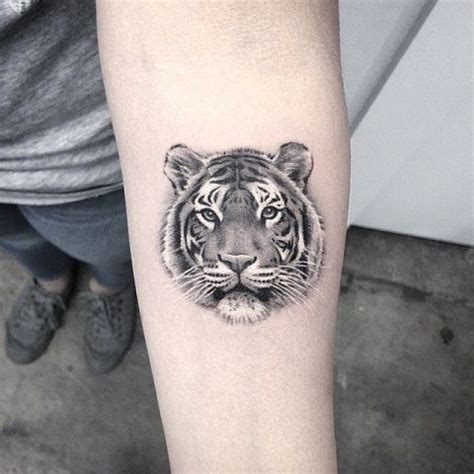 20 Excellent Tiger Tattoo Ideas For Men Styleoholic Small Tiger Tattoos For