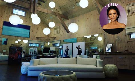 Julie Jones Interiors by Catherine Zeta Jones Shares Photos Of Amazing House On