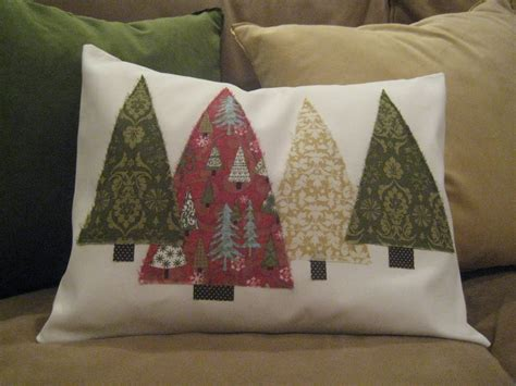 inspired honey bee sew christmas tree pillows