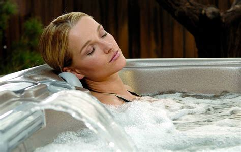 Soaking In Bathtub Benefits by Tub Relocation Services Gt Benefits Of A Tub