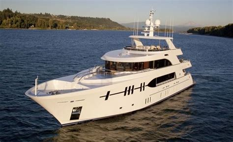 ocean alexander miami boat show 70 best miami international boat show images on pinterest
