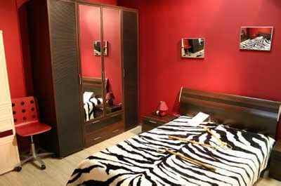 black and red bedroom walls black and red bedroom walls bedroom ideas pictures