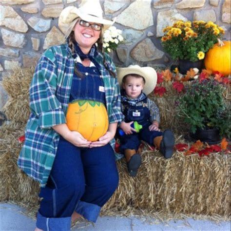 diy pregnant halloween costumes craft