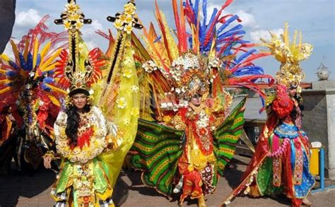 Baju Negara India Kostum Karnaval Baju Pawai warna warni festival di indonesia chez space