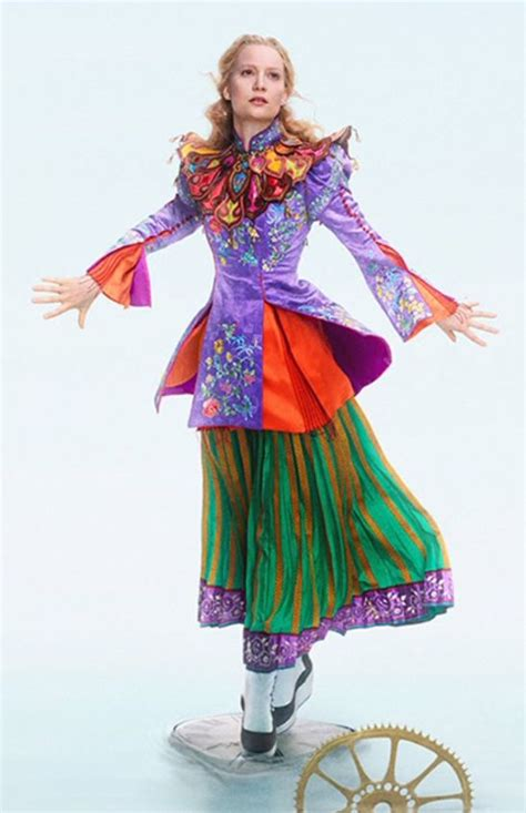 film mandarin the queen a good look at alice s mandarin costume from alice through