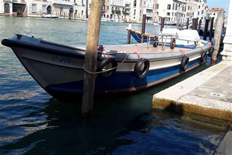sgomberi appartamenti trasporti traslochi sgomberi a venezia in barca