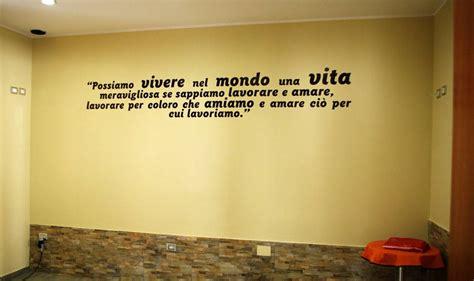 scritte per muri interni scritte adesive per pareti l ottimismo sui muri unapace