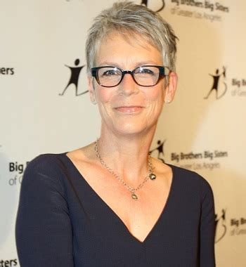 jamie lee curtis necklace jamie lee curtis haircut 2017 haircuts models ideas