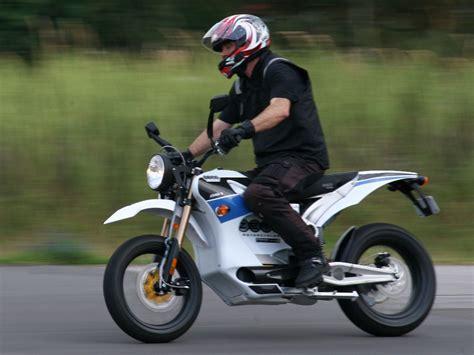 48 Ps Motorrad Geschwindigkeit by Zero Zeigt Die Reichweite Seiner Elektromotorr 228 Der Im