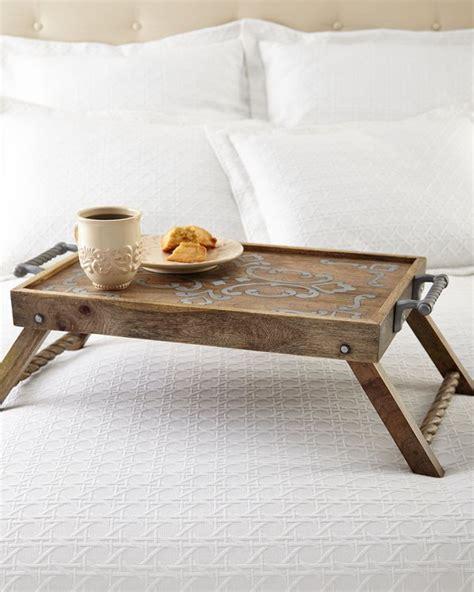 breakfast  bed tray table design ideas