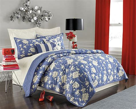 blue and white coverlet stunning summer bed and bath decor