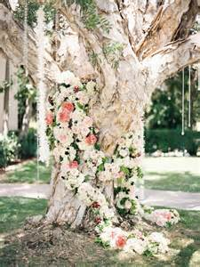 Wedding Backdrop Tree 40 Elegant Ways To Decorate Your Wedding With Floral Garlands Tulle Amp Chantilly Wedding Blog