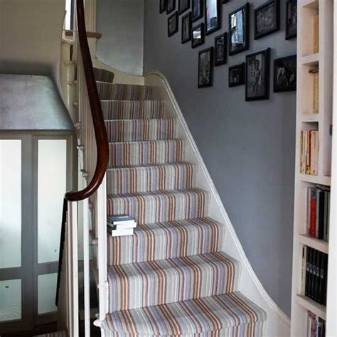 grauer flur and stairs on hallway decorating grey
