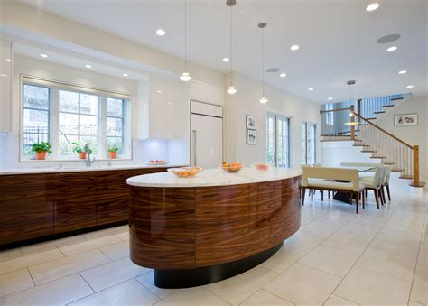Residence Kitchen by Kitchen Bethesda Residence Atrium Interiors